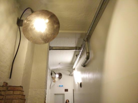 Hotel Transit : L'hotel ha uno stile vecchia fabbrica (lo era!) che è molto caratteristico!
