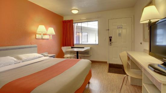Motel 6 Elizabethtown : Guest Room