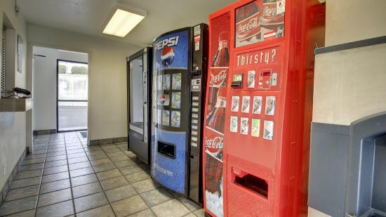 Motel 6 Elizabethtown : Vending