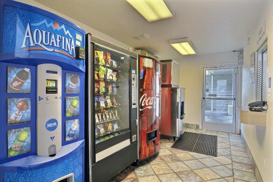 Motel 6 Tumwater - Olympia: Vending