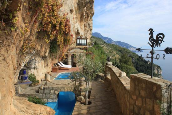 La Grotta dei Fichi : De villa met het zwembad