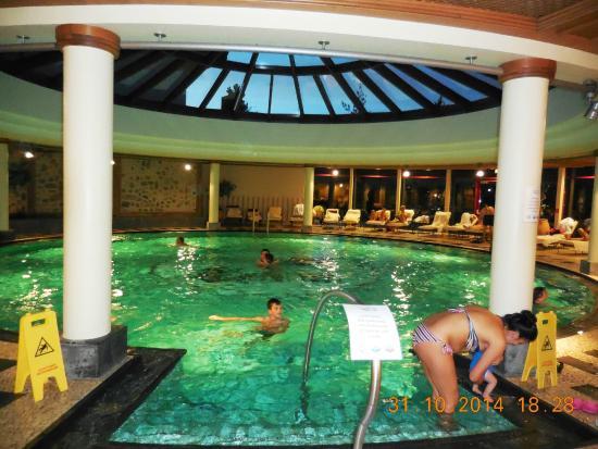 Piscine picture of hotel tyrol am haldensee haldensee for Hotel autriche tyrol avec piscine