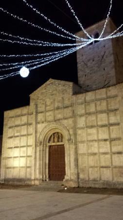 San Vincenzo e Anastasio: Di sera