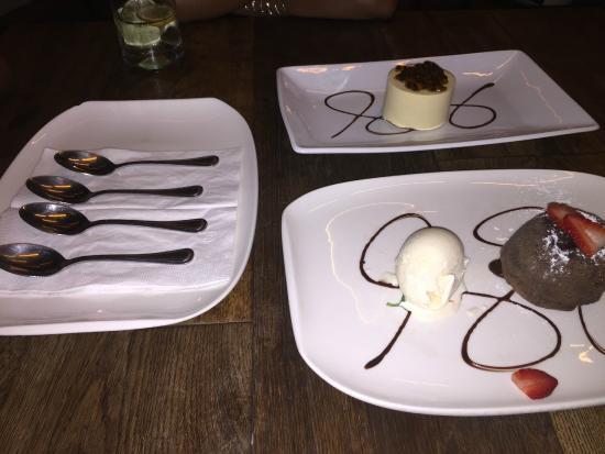 Sonora Grill Prime Vallarta: Duo of desserts