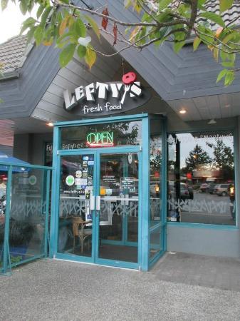 Lefty's Restaurant : Entrance