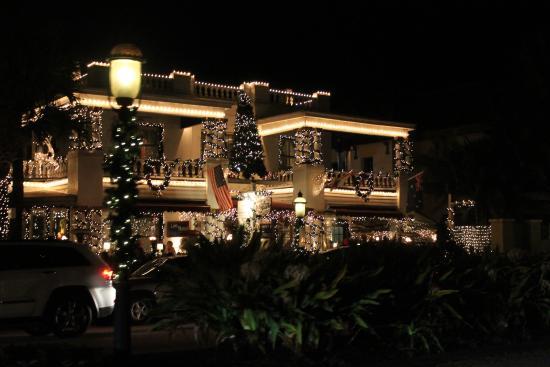 Casablanca Inn on the Bay: Taken during Nights of Lights trolley tour Dec. 27, 2014