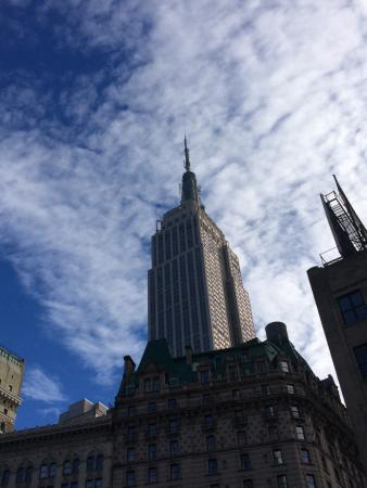 Real New York Tours: Empire State Bldg floating into the sky