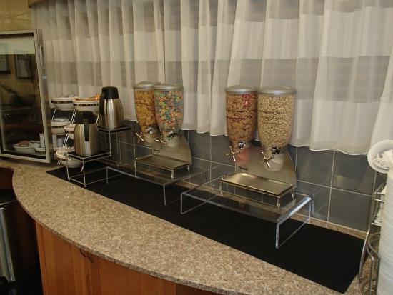 Sleep Inn & Suites: Cereals, yogurt, etc.