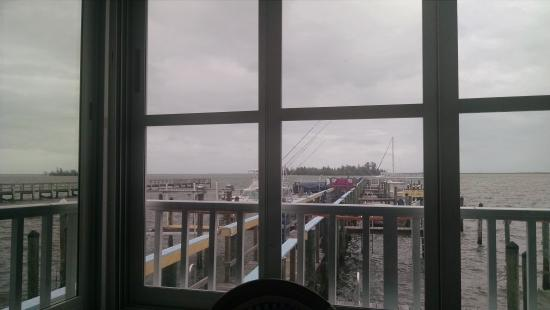 Mulligan's Beach House Bar & Grill: Looking out towards the Indian River