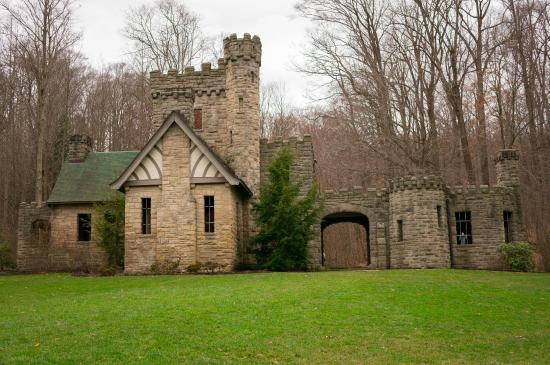 North Chagrin Reservation : The outside of the Castle in December