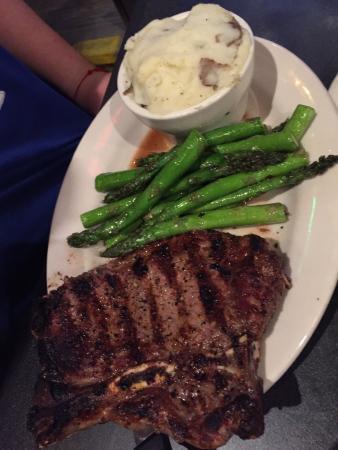 The Dodging Duck Brewhaus: Texas T-bone steak