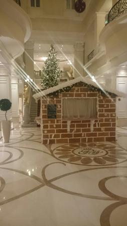 Foyer_corinthia hotel