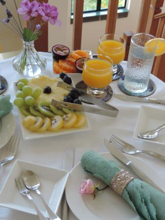 Admirals Landing Bed & Breakfast: Breakfast made with local fruits when possible