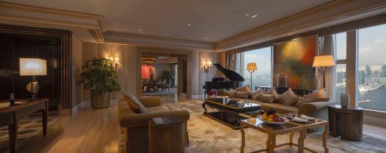 Four Seasons Hotel Hong Kong: Presidential Suite Living Room