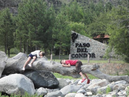 Paso del Condor: foto de la entrada desde el rio