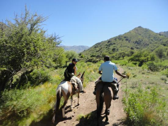 Paso del Condor : saliendo de cabalgata con  Ramon