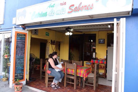 Catrina Restaurant: Cute dining area