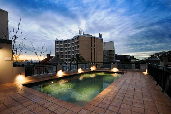 Quality Apartments Camperdown: Pool Area