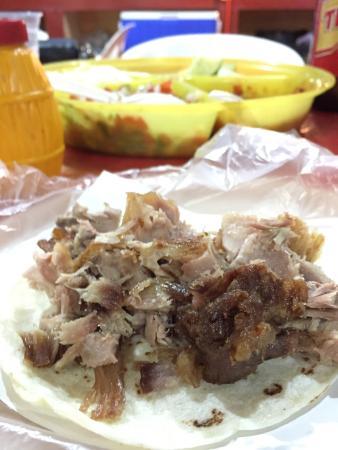 Barajas Tacos: Carnitas taco