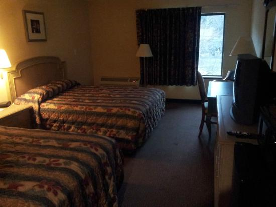 Super 8 Boone NC: Room