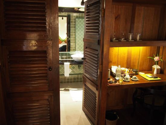 โรงแรมอังกอร์ วิลเลจ: Bathroom