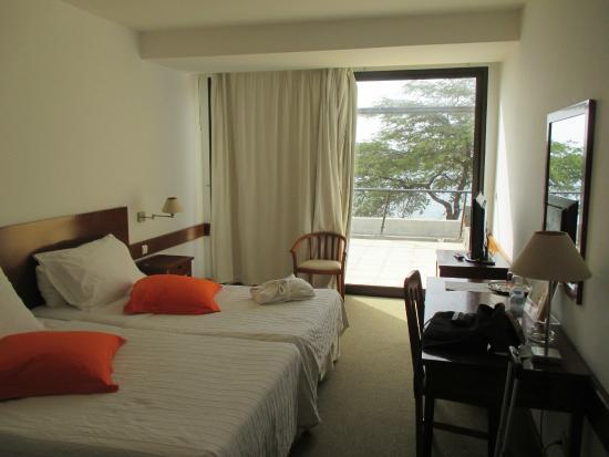 Hotel Oasis Praiamar : light airy and huge