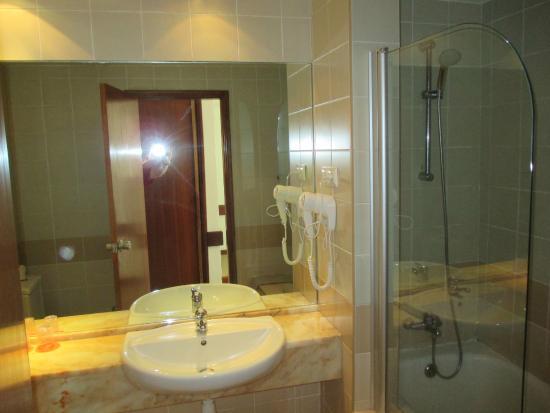 Hotel Oasis Praiamar : bathroom