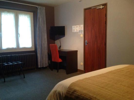 chambre lit king size cote jardin - Picture of Hotel Le Bon ...