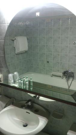 Grand Hotel Elite : bagno con vasca