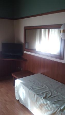 camera letto singolo - Picture of Grand Hotel Elite, Bologna ...