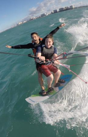 15 Knots Kiteboarding School