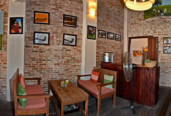 The Lonely Tree Cafe: Restaurant Upstairs