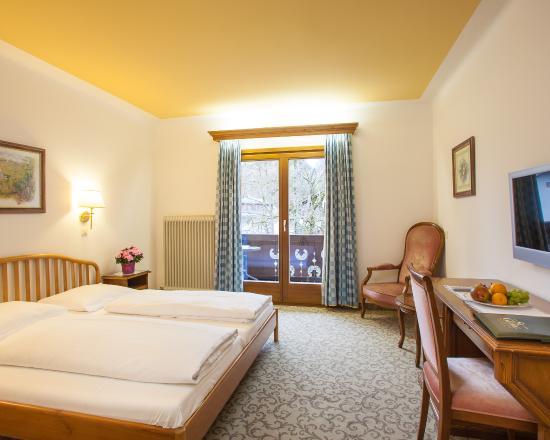 Doppelzimmer Balkon - Hotel St. Georg/Zell am See
