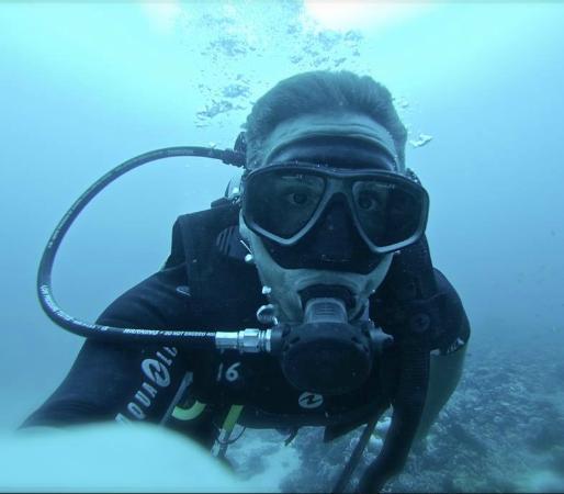 Euro Divers: Gratuitous diving selfie