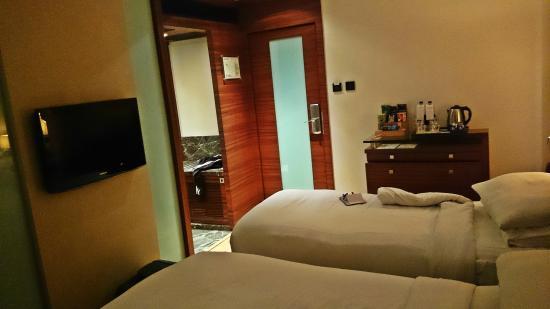 Hotel Bawa Continental: Room