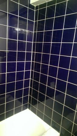 Starlite Hotel: Shower