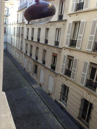 Royal Wagram: View from Triple room on 2nd floor