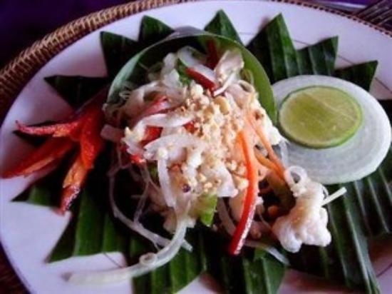 Bopha Angkor Restaurant : hot fish