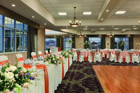 Hilton Garden Inn Auburn Riverwatch: Small to large weddings welcome!