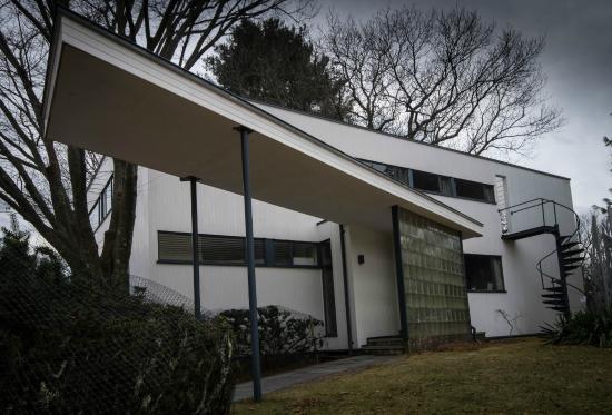 Gropius House entrance view picture of gropius house lincoln tripadvisor