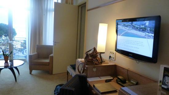 Chambre Vue Piscine Et Mer  Photo De Htel Martinez Cannes