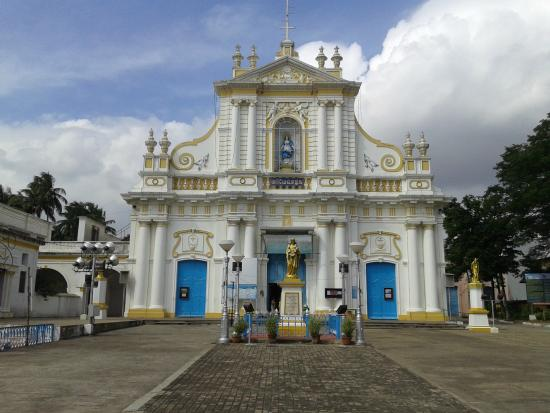 ‪Immaculate Conception Cathedral‬