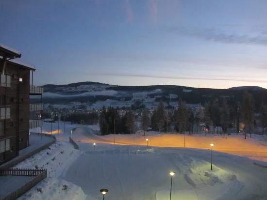 Radisson Blu Resort, Trysil: Dawn over Trysil (from our room)