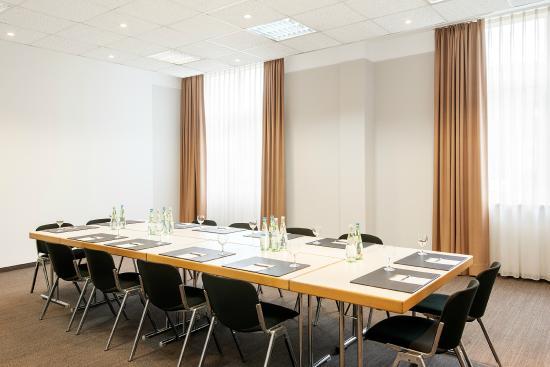 NH Frankfurt Airport West: Meeting Room