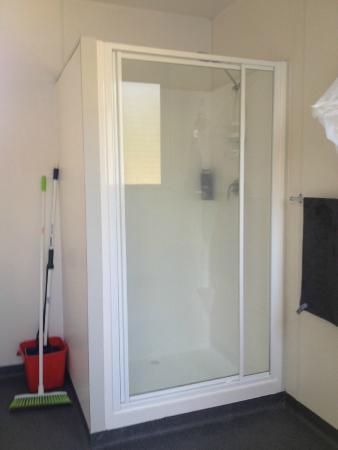 RAC Busselton Holiday Park: En-suite shower