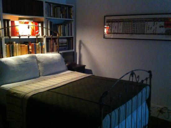 Jumel Terrace Bed and Breakfast: Bedroom