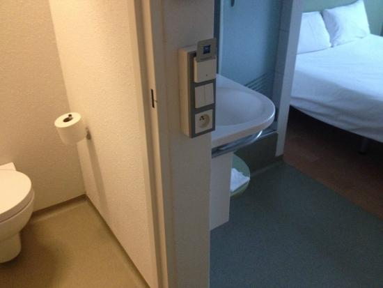 toilet and bathroom in the room picture of ibis budget krakow