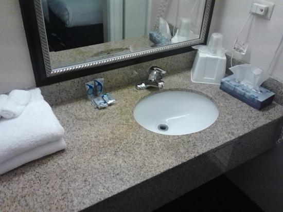 Magnuson Hotel Virginia Beach: Clean