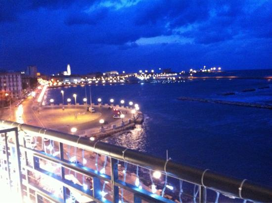 Vista Del Porto Di Bari Dalla Terrazza Dell Albergo Delle