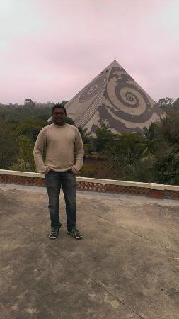 Pyramid Valley International: Pyramid Valley